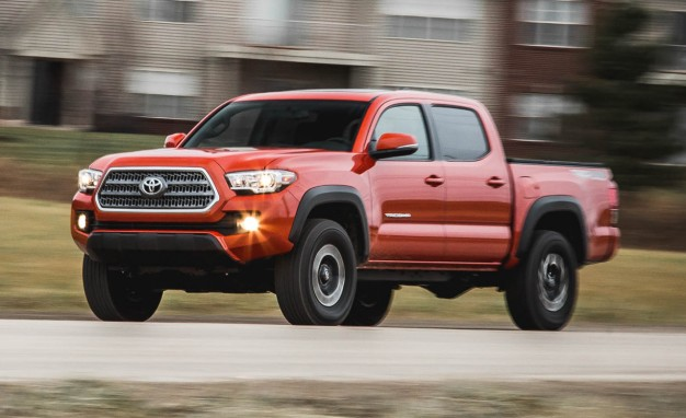 Tacoma V6 Towing Capacity >> Complete Guide To 2017's Most Powerful Trucks | Major10
